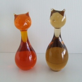 Vintage Swedish Glass Cats http://www.pinterest.com/pin/327214729146095260/